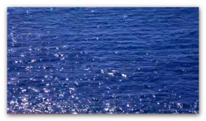 video WordPress background - shimmering water